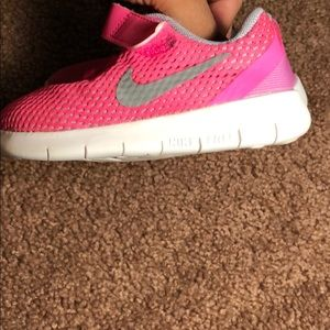 Shoes - Nike toddler pink shoes 6c